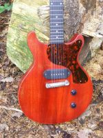 La Cadette, Heritage cherry © 2018 42nd Street Guitars