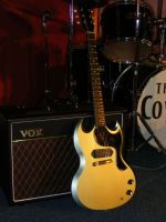 The Sinner paired with a Vox AC15 © 2017 42nd Street Guitars