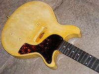 La cadette in tobacco stained nitro cellulose TV yellow © 2017 42nd Street Guitars